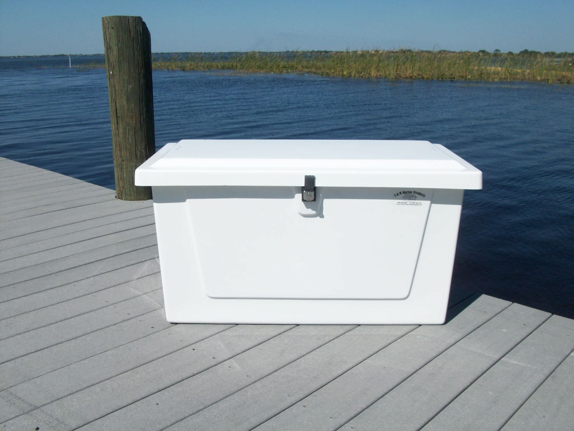 Keeping Outdoor Storage Clean With A Fiberglass Dock Box