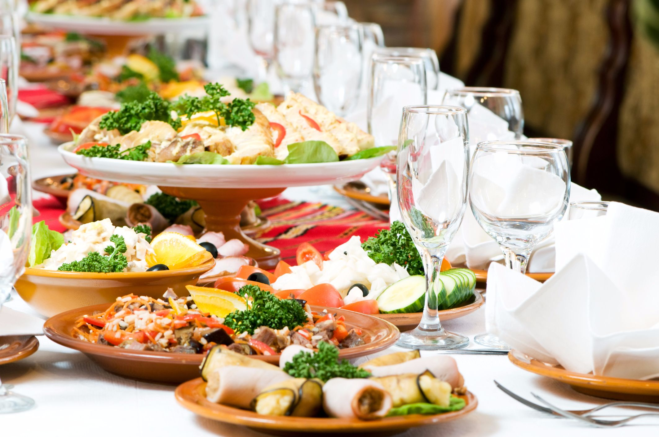 Tips For Hiring Catering Services & Equipments