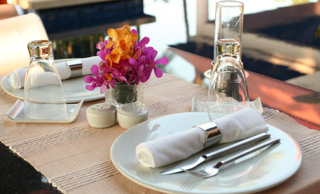For restaurateurs the importance of choosing the right linen provider should not be underestimated. Many patrons will judge a restaurant\u0027s calibre not only ... & Looking For A Restaurant Linen Provider? Consider These Things - B ...