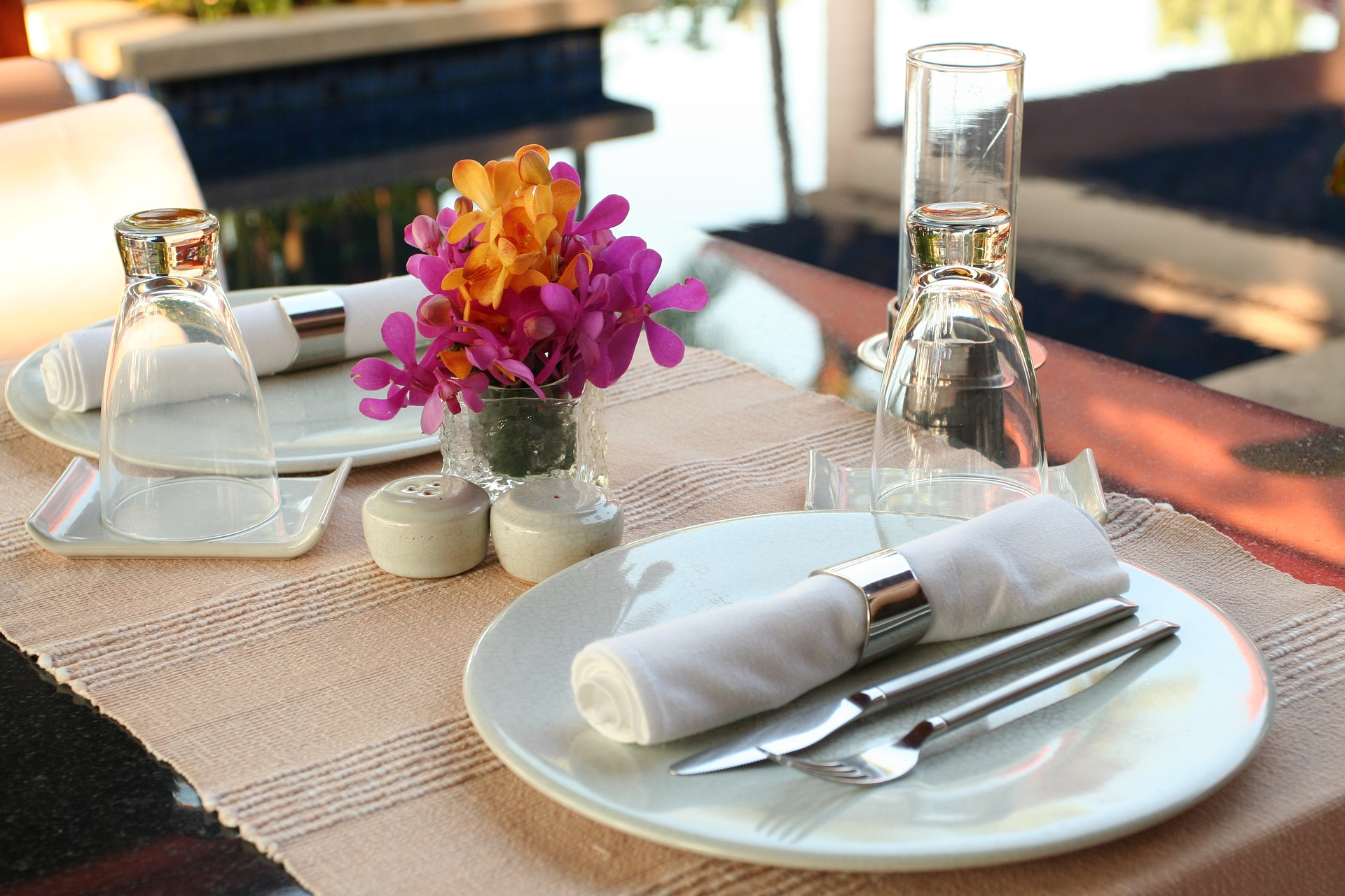 Looking For A Restaurant Linen Provider? Consider These Things